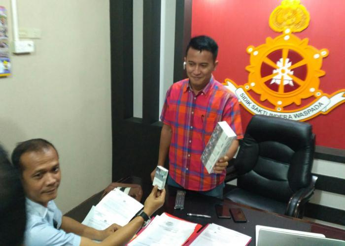 pekerjaan perdagangan opsi thomas memasak tarif forex indonesia hari ini