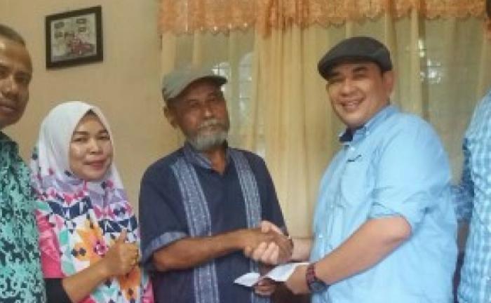 PWI Riau Menjenguk wartawan Senior Idris Ali Yang Sedang Sakit