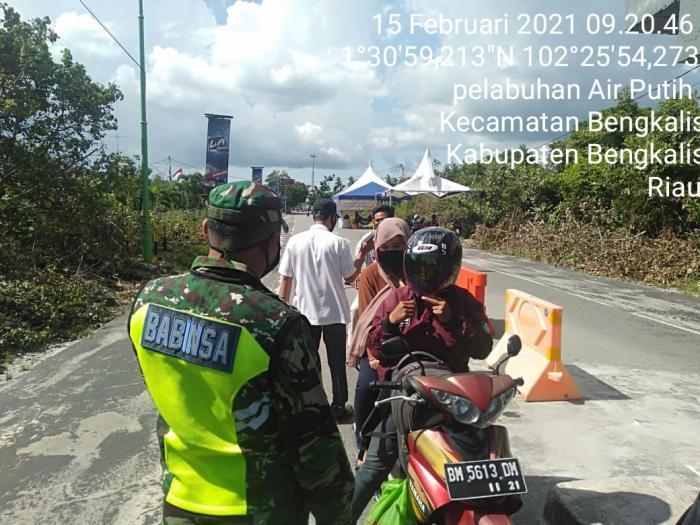Personil Koramil 01/Bengkalis Rutin Patroli di Pelabuhan Roro Bengkalis