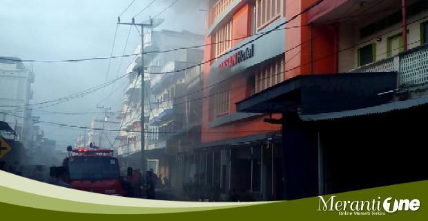 Diduga Korsleting Listrik, Hotel Sansan Selatpanjang Terbakar