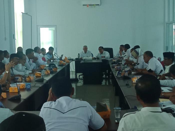 Sekda Pimpin Rapat Pembahasan LKPj Kepala Daerah