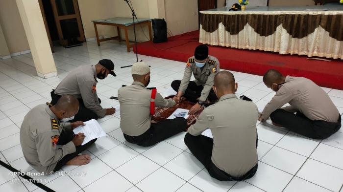 782 Siswa SIP Angkatan 50 Resimen WSA Kumpulkan Zakat Fitrah di Setukpa Polri