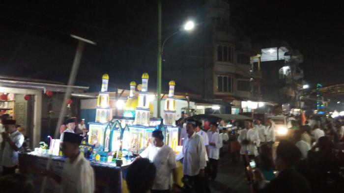 Ribuan Warga Tumpah Ruah Ikuti Pawai Idul Fitri 1439 H di Selatpanjang