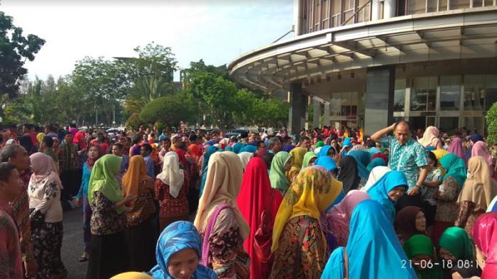 Dua Pejabat Eselon II Pemprov Riau Tidak Absen Apel Perdana Usai Lebaran