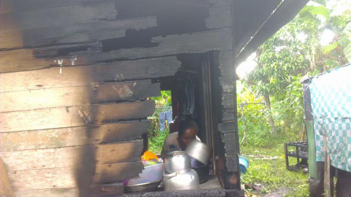 Masak Pakai Kayu Bakar, Dapur Rumah Sapri Terbakar