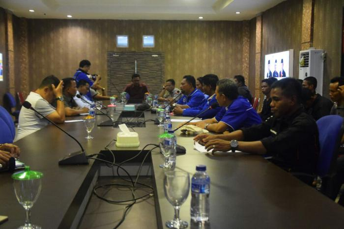 Tak Mau Dimutasi, Karyawan PT NSP Ngadu ke DPRD Meranti