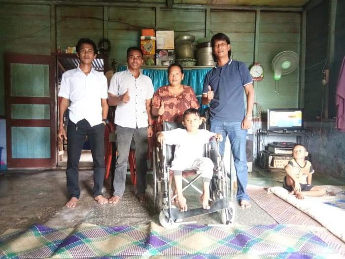 Denis Pratama, Bocah Penderita DMD di Meranti itu Akhirnya Dapat Bantuan Kursi Roda