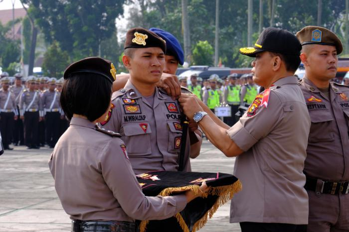 Kapolda Riau Pimpin Apel Gelar Pasukan Mantap Brata Muara Takus 2019