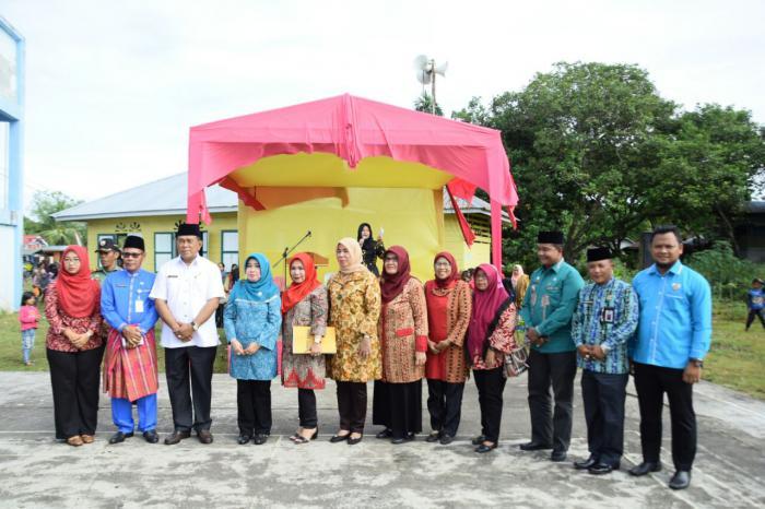 Tim Penilai P2WKSS Riau Lakukan Penilaian Desa Banglas Barat