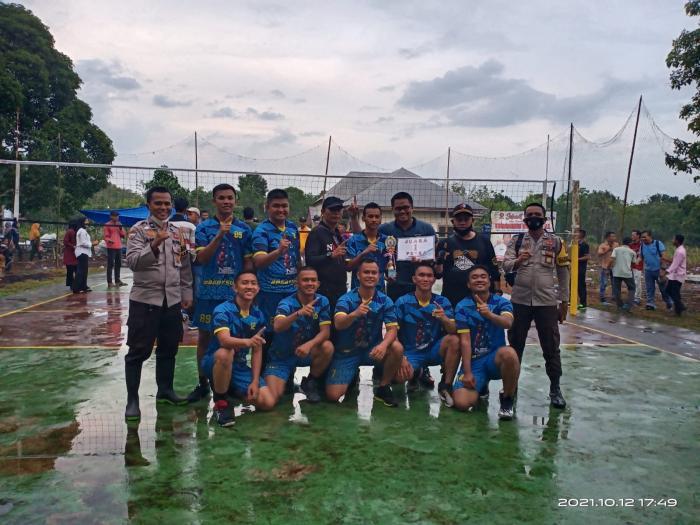 Raih Juara Pertama, Kapolres Apresiasi Prestasi Tim Volly Bhayangkara Meranti