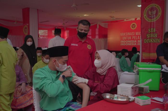 BIN Riau Gelar Vaksinasi Massal Dosis Dua Untuk Pelajar dan Masyarakat Secara Door To Door