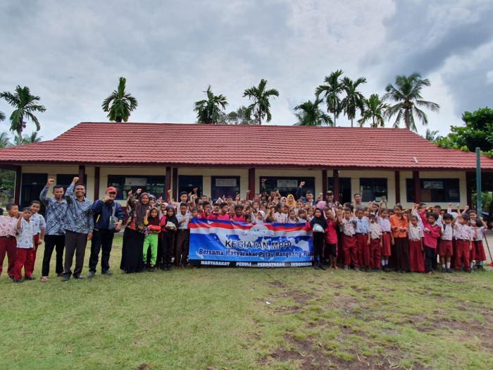 Kegiatan di Desa Bungur, MPPI Salurkan Sejumlah Bantuan Untuk Masyarakat