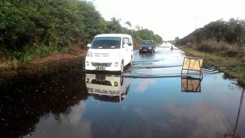 Jalan Lintas Pakning -Dumai Banjir